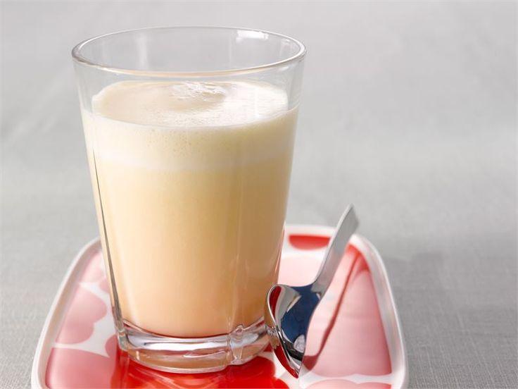 Hedelmä-piimäjuoma - Tämä juoma syntyy näppärästi kahta raaka-ainetta lasissa sekoittamalla http://www.valio.fi/reseptit/hedelma-piimajuoma/