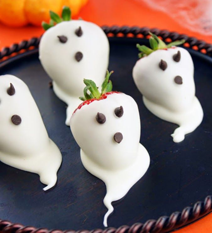 EAT MORE CAKE: Receita de morangos fantasmas! Chocolate Strawberry ghosts - Halloween