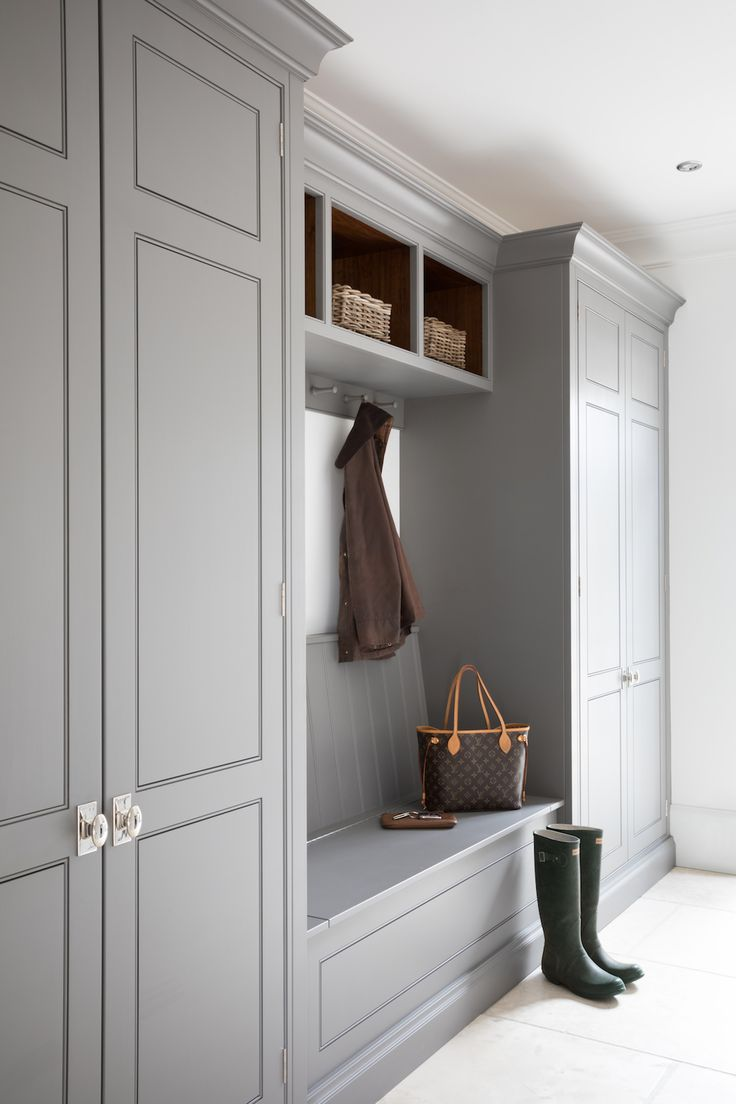 We all know that open plan kitchen – dining rooms are absolutely perfect for modern family living but the downside is that for every wall knocked through, precious storage space is lost, which can mean that clutter inevitably ensues. However the addition of a boot room can change all that by providing a separate area for shoes, coats and bags. #humphreymunson