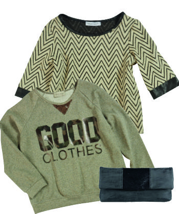 The Fashion Store Musthaves - Top Rinascimento gold/black - clutch - Sweater met opdruk