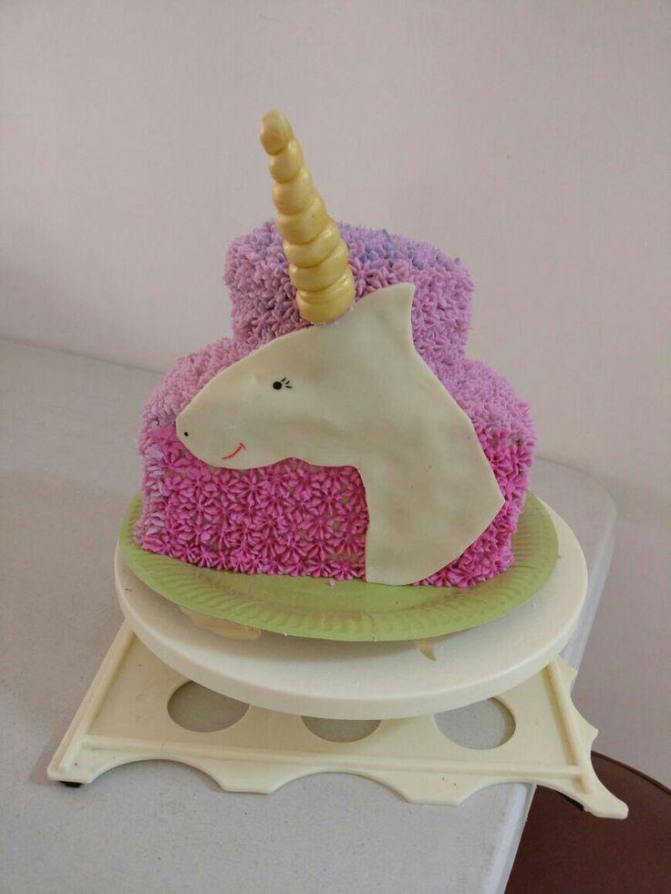 Simple unicorn cake
