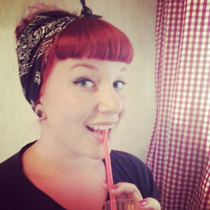 Cute Nadia from The Rockabilly Girl Next Door is showing us how to do 5 different rockabilly hairstyles. Read her guest post and step up your hair game!