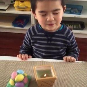 Quem acha que toda brincadeira infantil tem de ser barulhenta precisa conhecer o Jogo do Silêncio, atividade que estimula a criança a permanecer por um tem...
