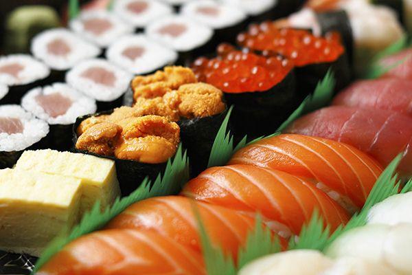 sakura #sushi, check out sushi videos on this pin-board: http://www.pinterest.com/makesushiorg/sushi-videos/ enjoy :) #food #japanese