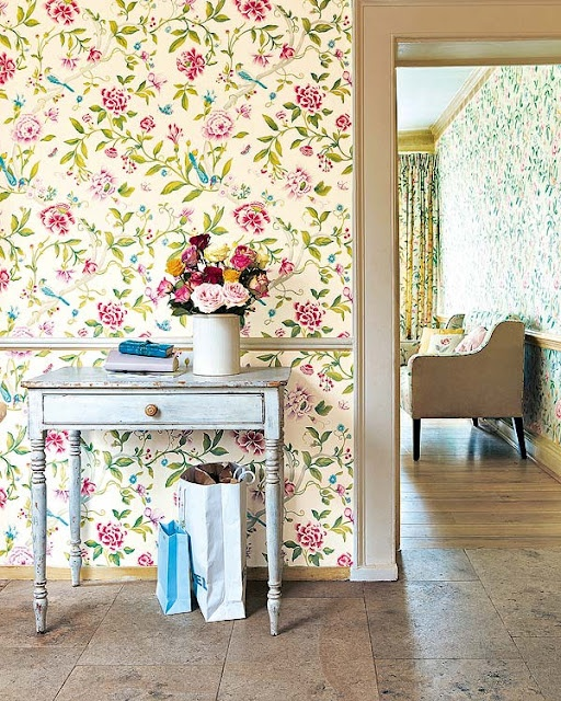 Vintage Inspired Home: Floral Wallpaper