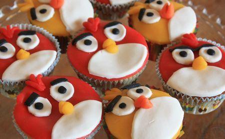 Angry Birds Cupake (saga obviously )