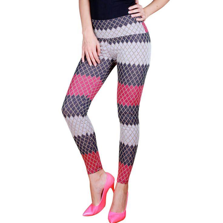 Simli Renkli Tayt Rengarenk Jakarlı Bayan Tayt Modeli.  Fuşya ve lacivert renklerin birleşiminden oluşan spor yaparken yada şık görünmek istediğinizde rahatlıkla tercih edebileceğiniz desenli bir modeldir.