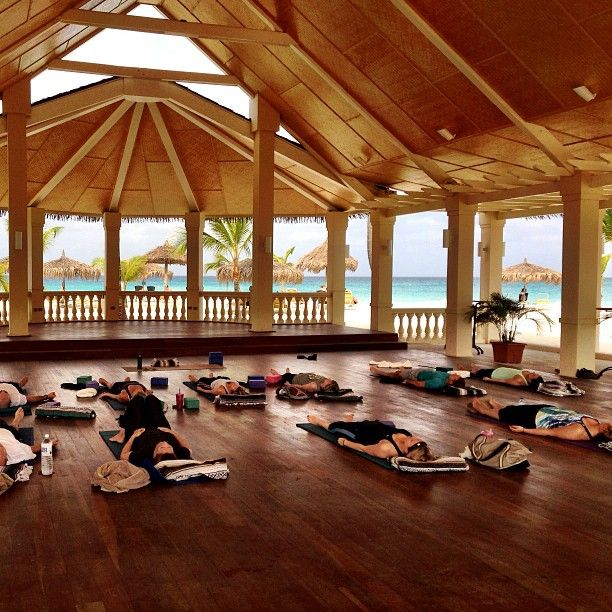yoga retreat: Manchebo Resort & Spa Hotel Palm Beach