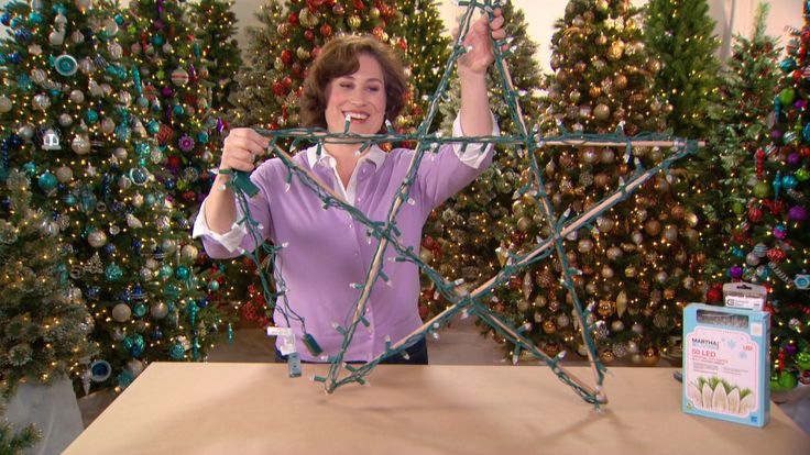 Learn how to make an illuminated star in only 3 steps. #HowToHoliday