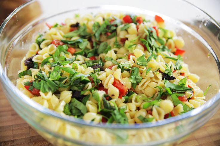 Pratik Makarna Salatası Nasıl Yapılır ? - İdil Tatari - Yemek Tarifleri