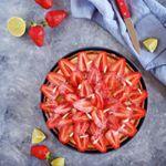 Cette tarte aux  tait trop miam miam  Vous trouverez la recette sur le blog  wwwchefninicom tarte tarteauxfraises fraise citronvert mascarpone patisserie paques