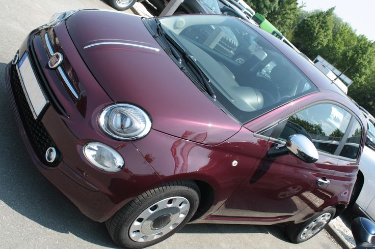 2016 Fiat 500 Pop Star in der Farbe Opera Bordeaux Metallic