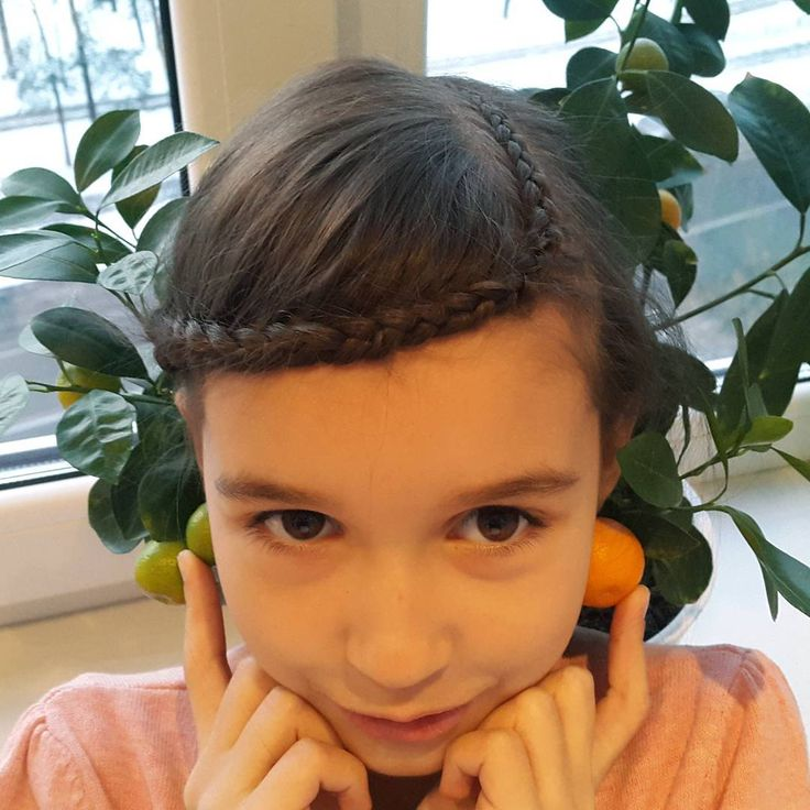 Голландская коса с переходами и пучком сзади // Dutch braid with bun https://www.youtube.com/watch?v=0qsfWvQX02c