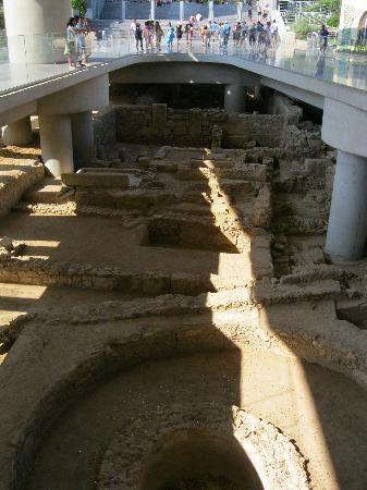 Athens Walking Tours: Entrance to the Acropolis Museum