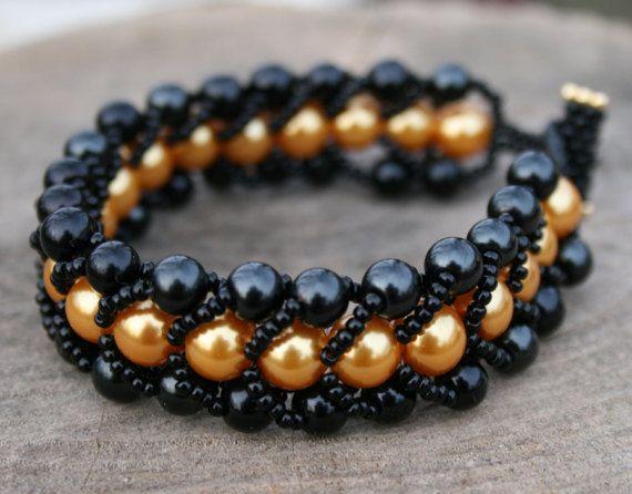 black bracelet golden bracelet beadwoven bracelet beaded #beadwovenbracelet, #blackbracelet, #goldenbracelet