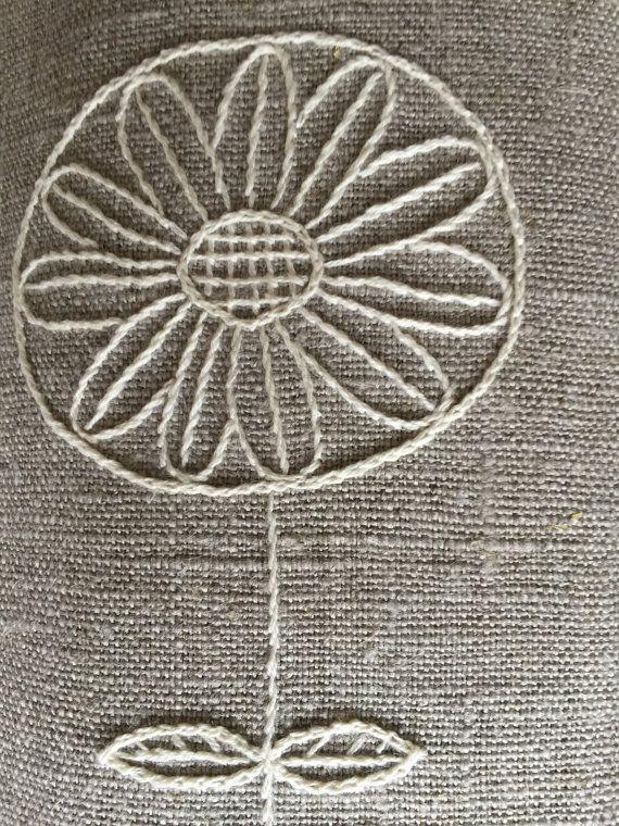 Listo para enviar! Manteles de lino con la mano bordado en color marfil. Los…