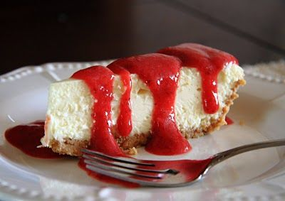 New York Cheesecake with Strawberry Sauce ~ Delicious dessert