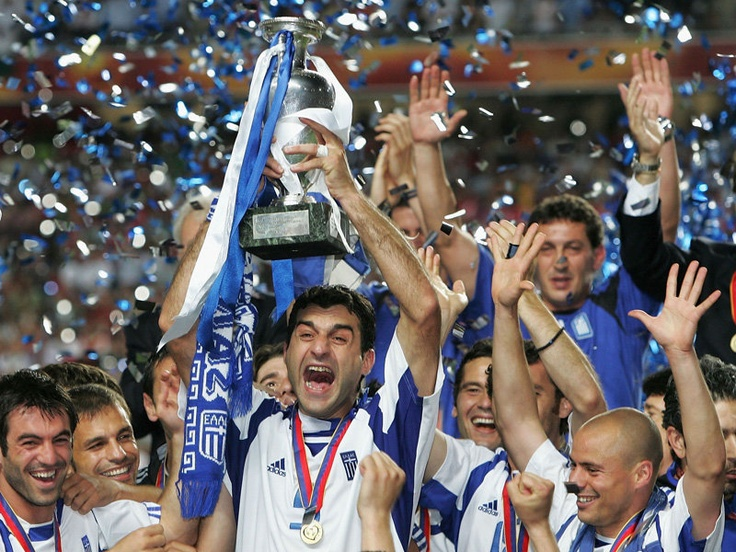 Greek players celebrating to have conquered the Euro cup in 2004 http://mazianamz.files.wordpress.com/2012/06/greece.jpg