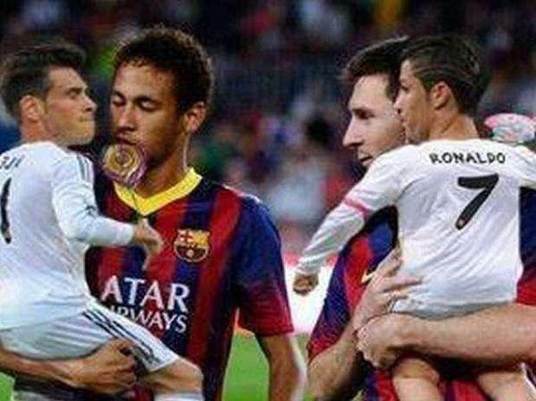 Piłkarze Barcelony z Bale'em oraz Cristiano Ronaldo na rękach • Neymar i Lionel Messi stoją z dziećmi • Zobacz zabawny obrazek >> #fcbarcelona #barca #barcelona #memes #football #soccer #sports #pilkanozna #funny