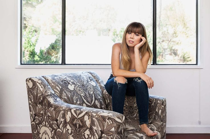 Actress Jennette McCurdy poses for a portrait at her home in Studio City, CA on Saturday, August 29, 2015.  Photo by Emily Berl