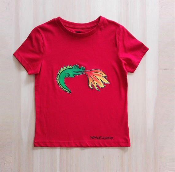 T-shirt rossa da bambino con draghetto lanciafiamme in puro