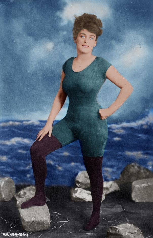 annette kellerman promotes womens right to wear a fitted one