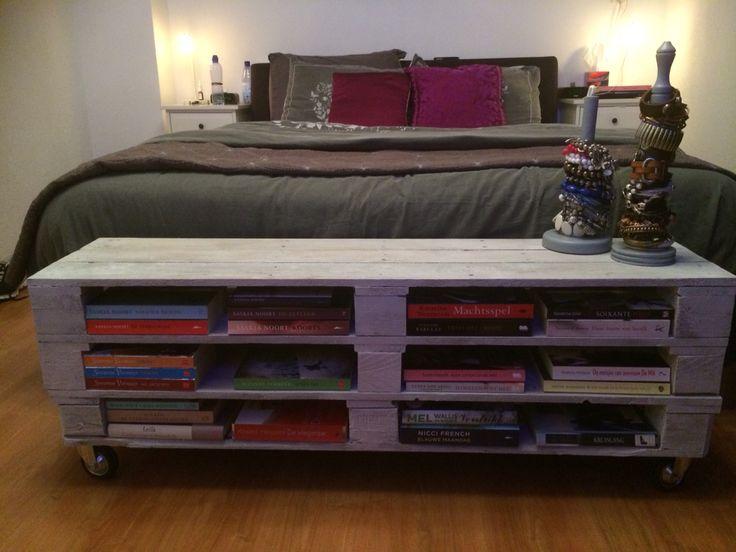 Pallet dressoir-boekenkast