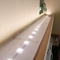 Above Cabinet lighting DIY-This would be nice above my kitchen cabinets