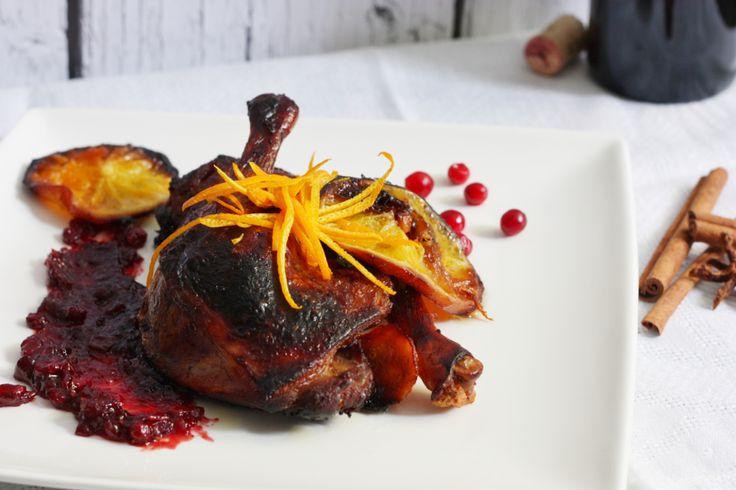 duck leg with orange, ginger and cranberry spicy jam. udka kaczki w pomarańczach z żurawinową korzenną konfiturą, to soczyste i miękkie mięso bajecznie pyszne, w sam raz na wyjątkowe okazje!