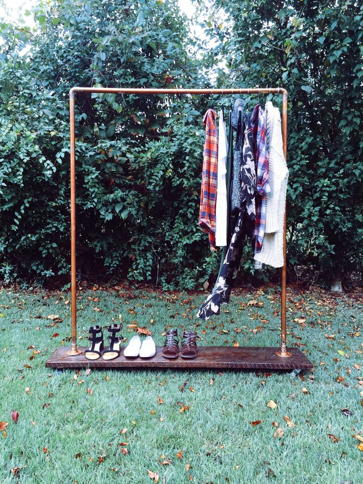 Rolling Copper Pipe Clothes Rack // DIY // Rolling Clothes Rack // Copper Pipe // Copper Pipe Project