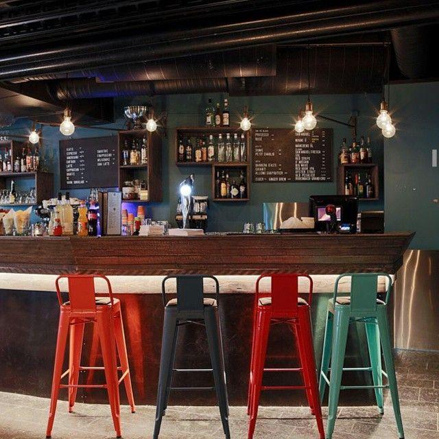 Her er en bar vi bygget for #kubikintark  på #filmkafeen i sommer. Kubik interiørarkitekter og drivved.no ble en god kombinasjon, eller hva? #gjenbruksmaterialer #elskerdet www.drivved.no www.kubik.no