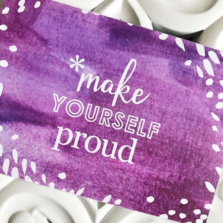Siempre estén orgullosos de tus logros así sean pequeños recuerden que es un pasito más para alcanzar nuestros sueños  . . . #blogger #perú #papeleria #motivacion #frases #erincondren #stationery #motivationalquotes #motivation #planneraddict