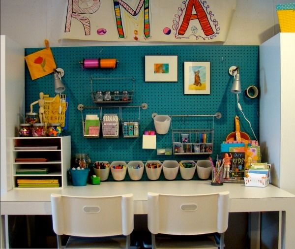 Kinderzimmer Schreibtisch Bastelecke-Utensilien Design-Ideen Einrichtung