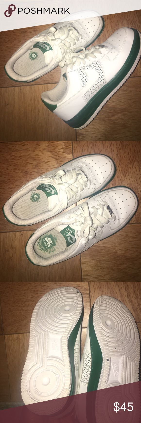 Nikes 👟 for the sneaker heads Green and white Air Force Ones for those who live a good throwback sneaker!!!! Comfy and only worn twice these shoes deserve a new home with someone who will appreciate them!!! These are a size 6 in boys!!! Nike Shoes Sneakers