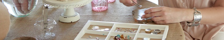 Personalized lockets and charms!  www.southhilldesigns.com/connieclair