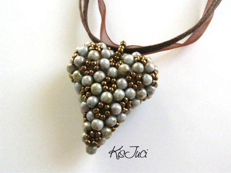 Bead heart by http://www.breslo.hu/item/Foldanya-szive_1056#