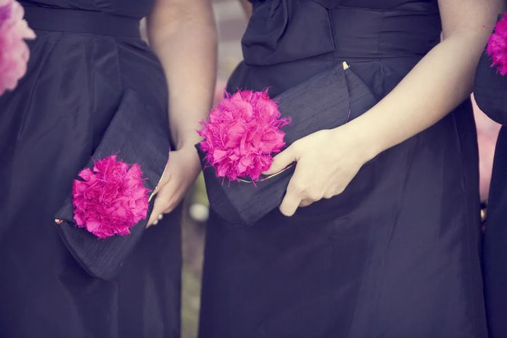 10 Bouquet Alternatives - Flower Clutch, Bridesmaids Clutches with Pink Flowers. Read More - www.mazelmoments.com/blog/21037/10-bridesmaid-bouquet-alternatives/
