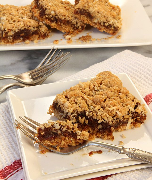 Old Fashioned Date Nut Bars | creative-culinary.com