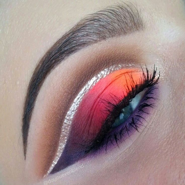 How incredibly beautiful is this silver winged liner with a cut crease? @doyouevenblend really does know how to ramp up the glam :bomb::bomb::bomb: More: http://blog.furlesscosmetics.com/katina-k/
