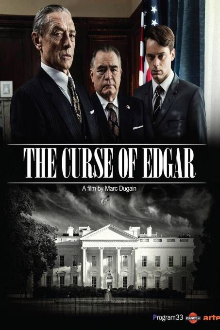 The Curse of Edgar  Description: Dit fascinerende docudrama werpt een nieuw licht op de legendarische FBI-directeur J. Edgar Hoover die door velen wordt gezien als de meest invloedrijke figuur uit de geschiedenis van de Verenigde Staten. Het verhaal wordt verteld door Hoovers voormalige rechterhand Clyde Tolson die in het diepste geheim ook zijn minnaar was. Centraal staat de strijd die Hoover voerde om te voorkomen dat de Kennedy's in Amerika te machtig zouden worden. Clyde Tolson vertelt…