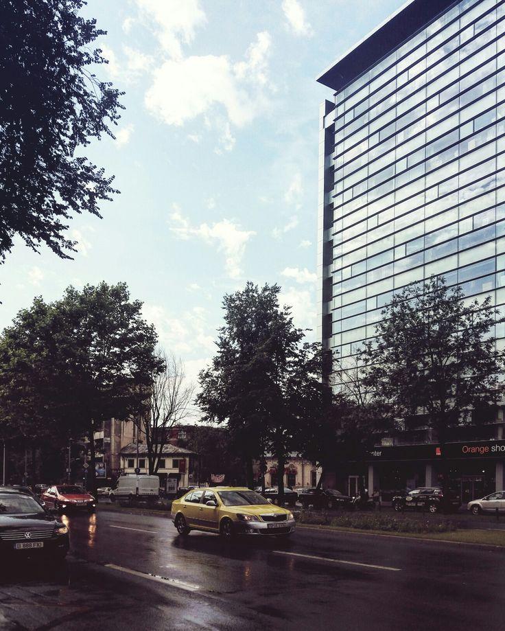 Orange HQ in Bucharest / Piata Victoriei