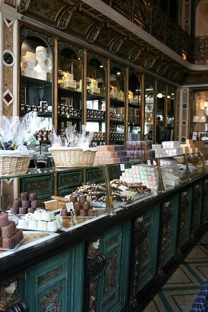 Best 25 chocolate shop ideas on pinterest drinks of the world destination - Boutique vintage lille ...
