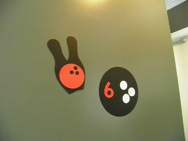 Bowling Ball and Pin birthday decor