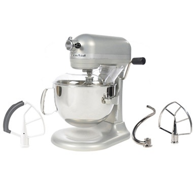 One of our most favourite kitchen appliances in a classic colour!  #ilovetoshop
