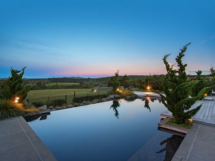 Contemporary Home in New Zealand Private pool
