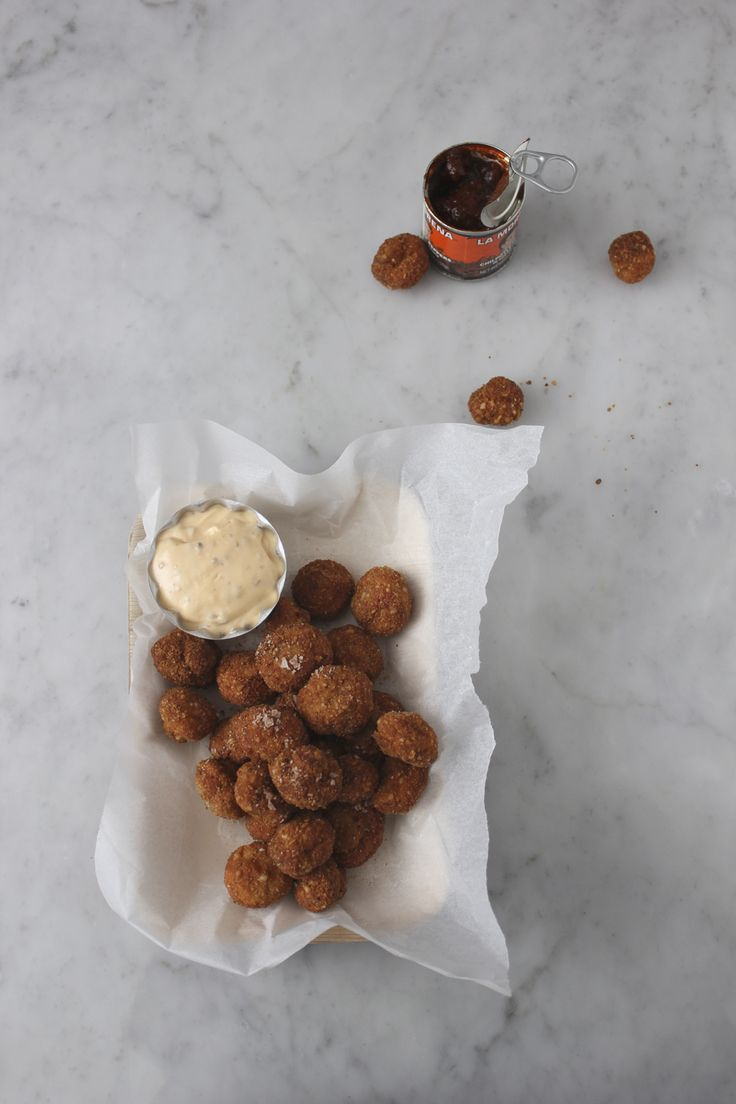 Macadamia Crusted Mushrooms with Paprika Salt and Chipotle Mayo {Via ...