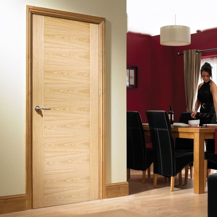Bespoke Sofia Oak Flush Fire Rated Door - Prefinished.    #firedoor #internaldoor bespokedoor #madetoorderdoor #door #interiordesign #interior #dinindgroom