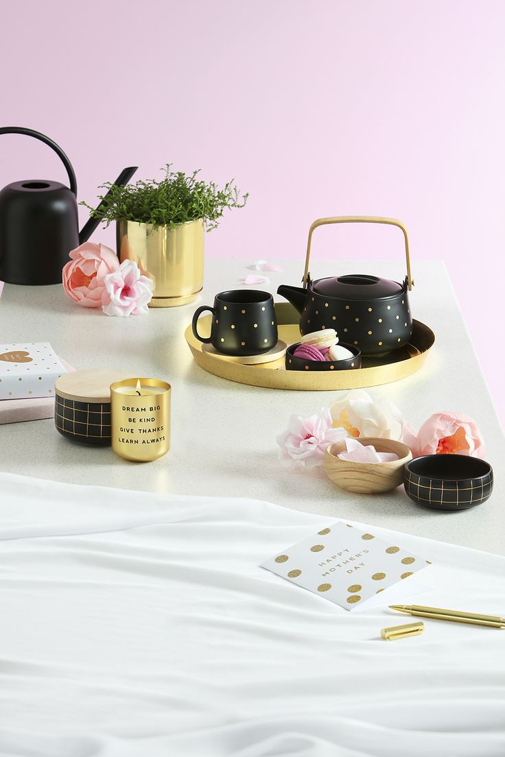 How to host a Swedish fika featuring this gorgeous black and gold tea pot