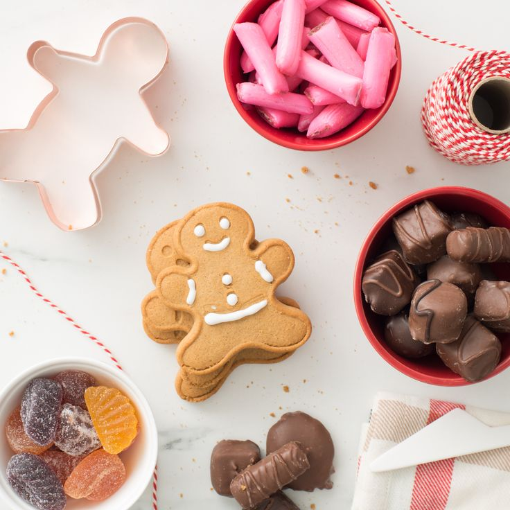 Ganong treats are perfect for gingerbread men decorating! How do you decorate your holiday cookies? #chocolatelove #giftguide2017 #giftsforher #giftsforhim #gifting #giftideas #holidays #christmas