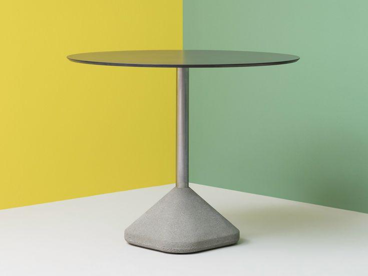 CONCRETE Table by PEDRALI design PIO